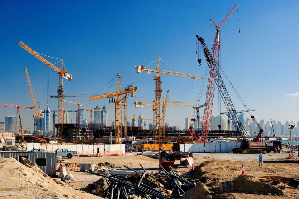 dubai-construction-cranes